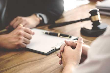 traduction juridique: juriste ou traducteur juridique
